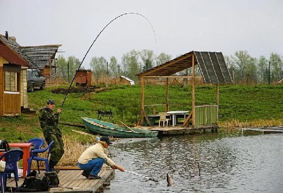 Особенности рыбалки на платных водоемах